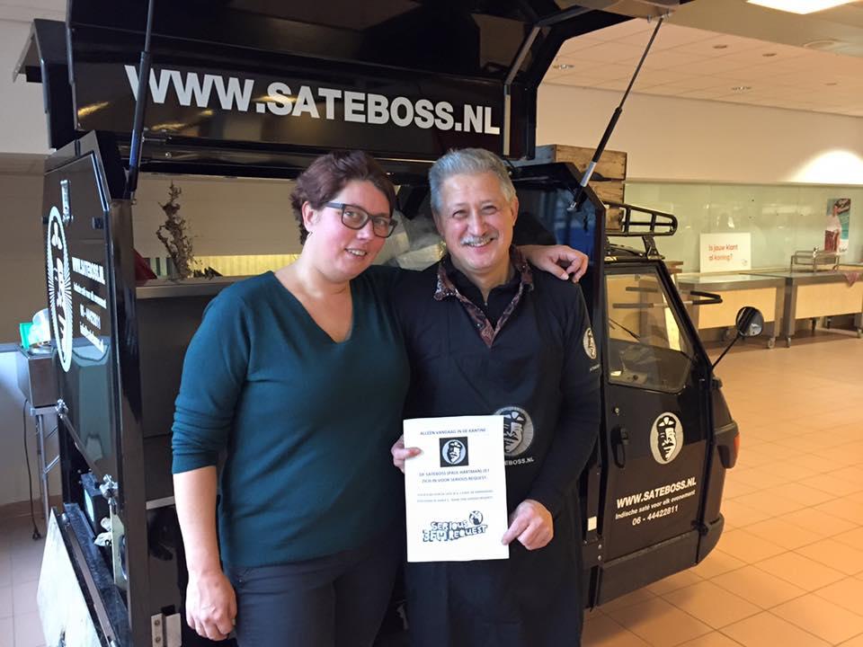 Satéboss zet zich in voor Serious Request bij Nationale Nederlanden in Ede